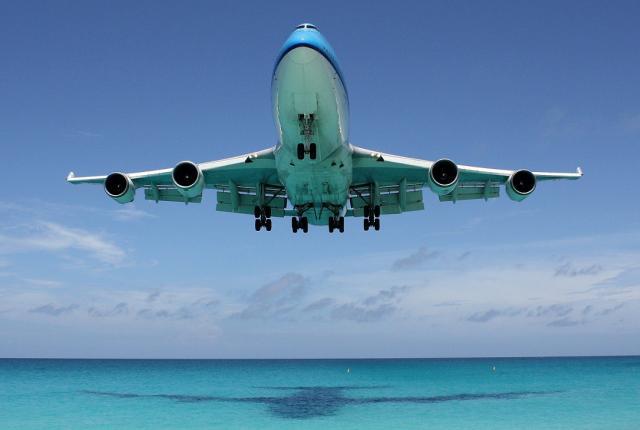 747_stmaarten